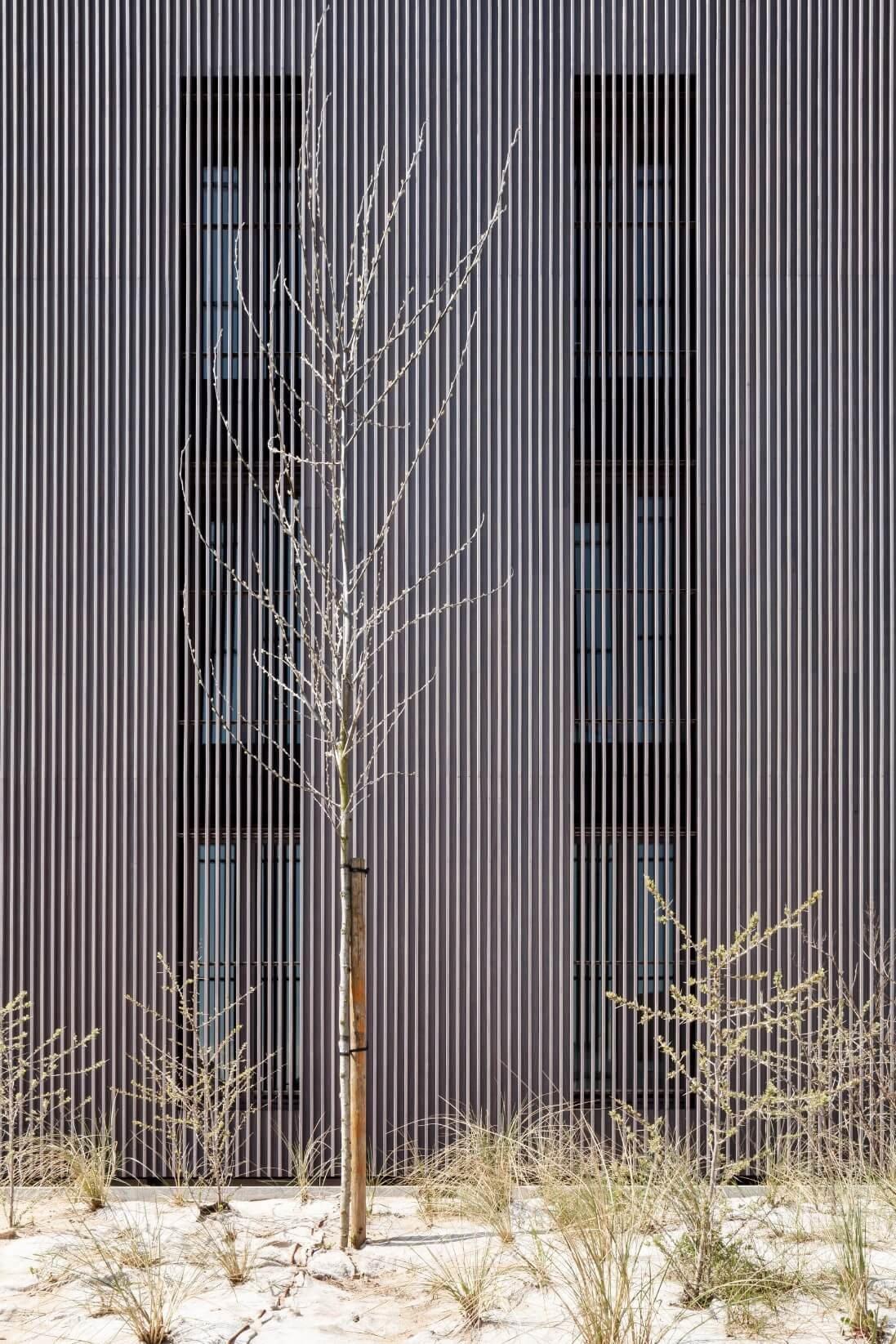 Res-JeanProuve-Rietveldprojects-photobytimvandevelde-12.jpg