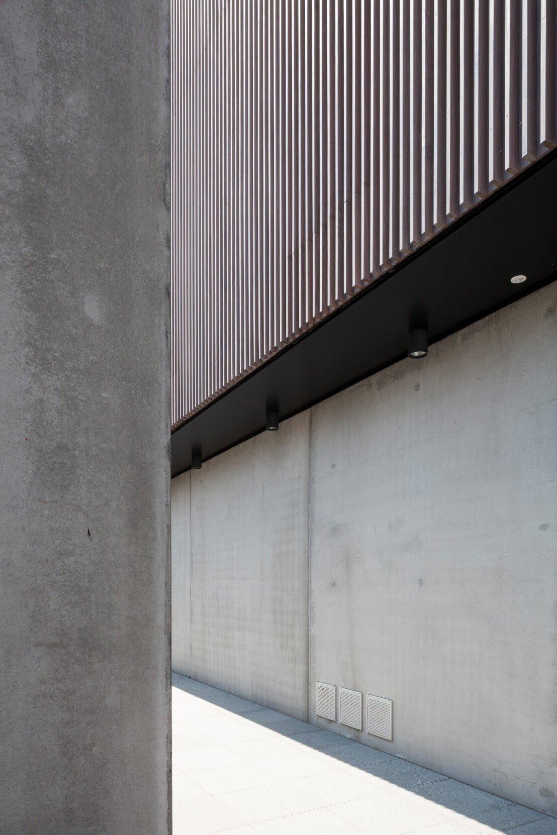 Res-JeanProuve-Rietveldprojects-photobytimvandevelde-7.jpg