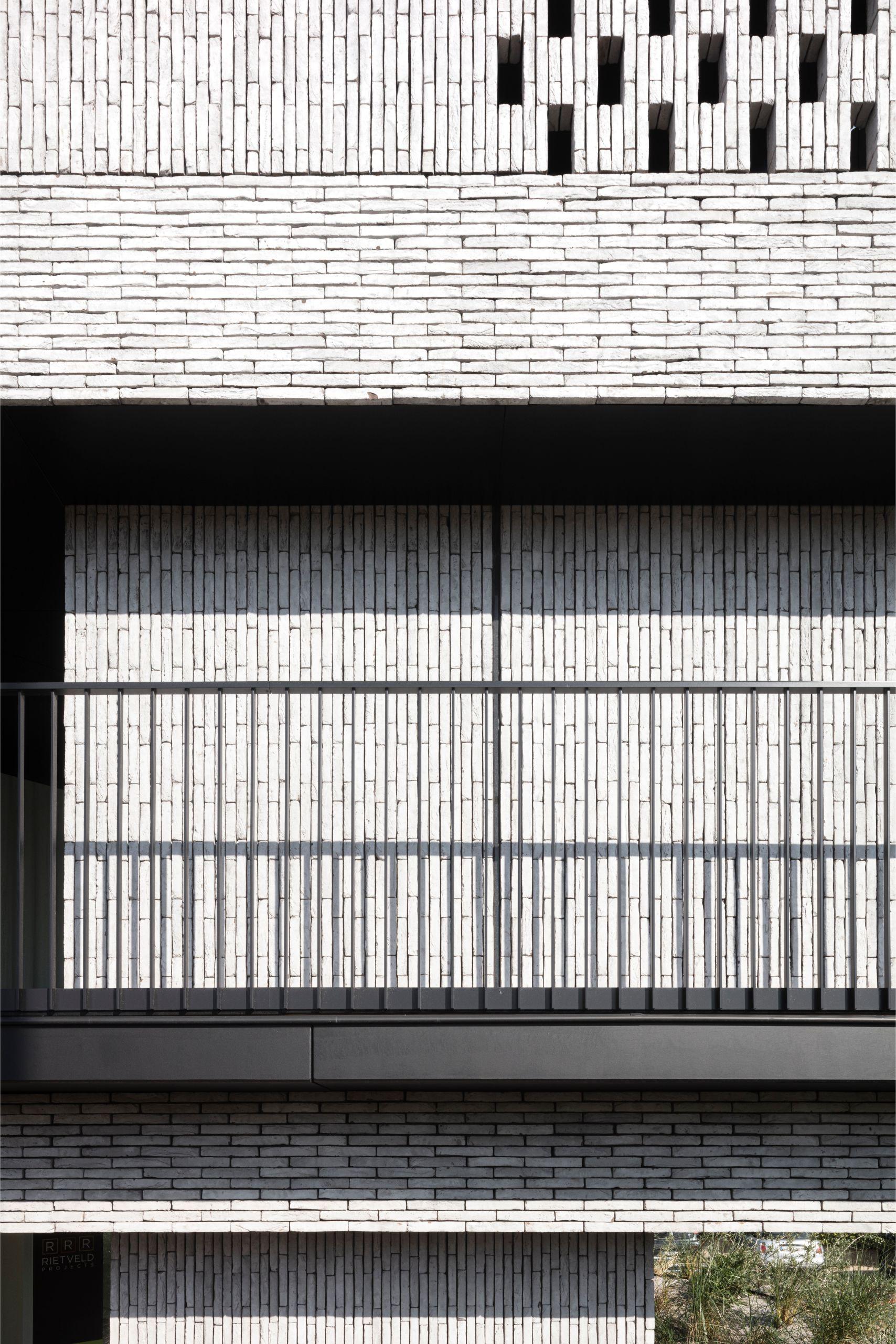 Pierre Paulin - Rietveldprojects - Sint-Idesbald - Tvdv7