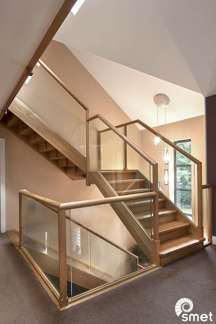 SmetStaircases-Glass-Lightwater-A-SmetUK(1)