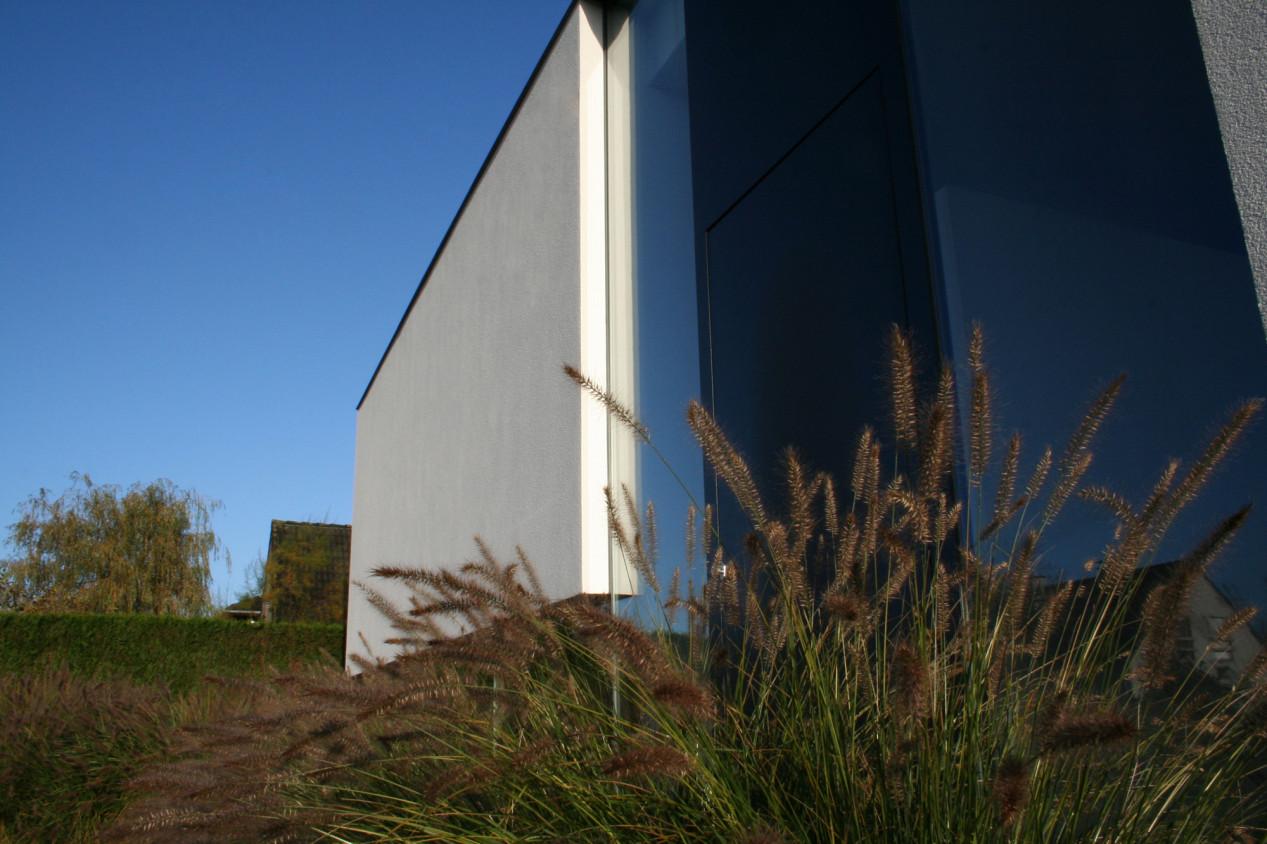 Un système de façade fermé, esthétique ET isolant ! detail-gevelvlak-silicoonhars-sierpleister.jpg