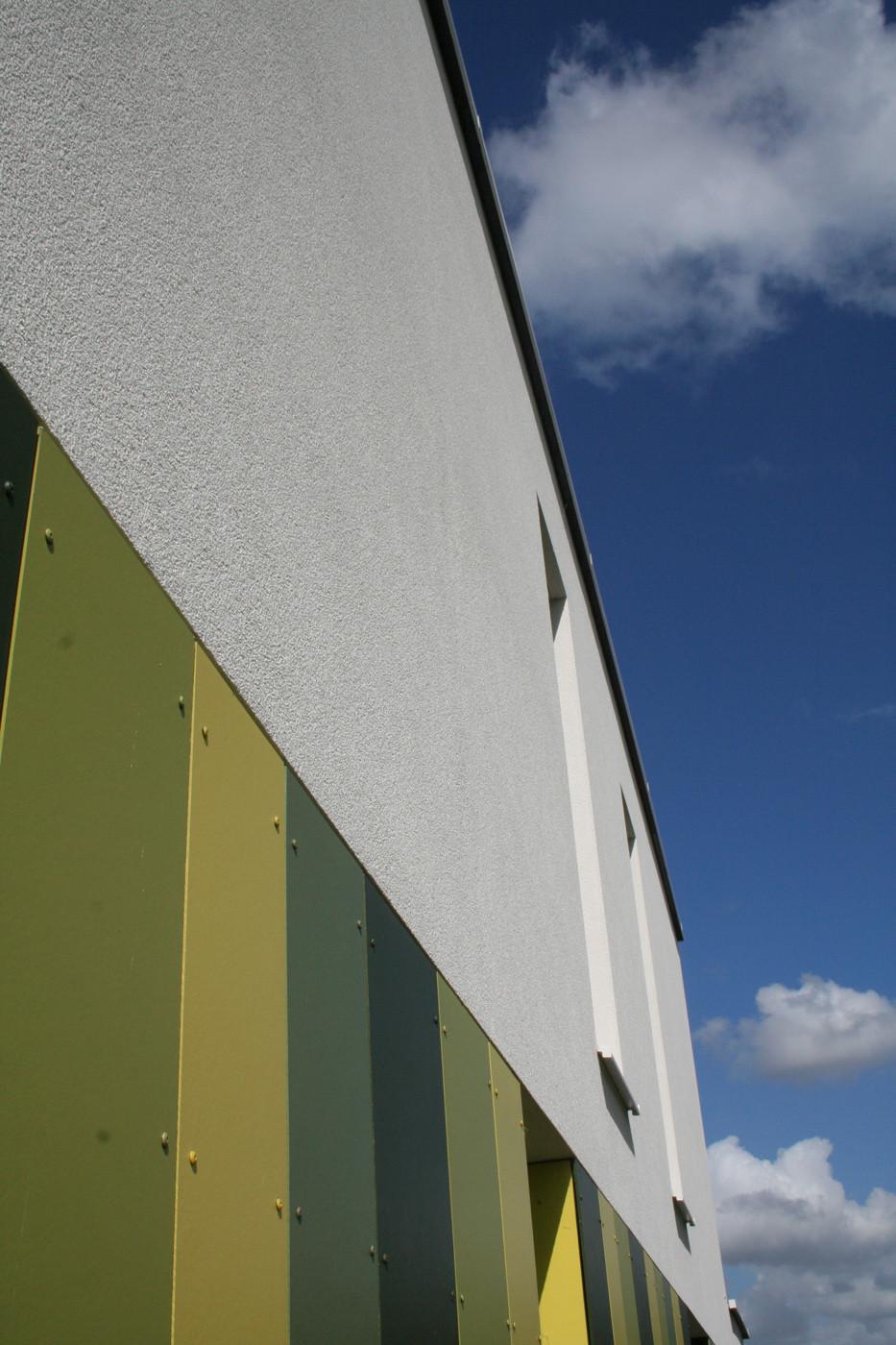 Benieuwd hoe een 100% Willco Products gevel eruitziet? Modern huis met witte crepi - 02.jpg