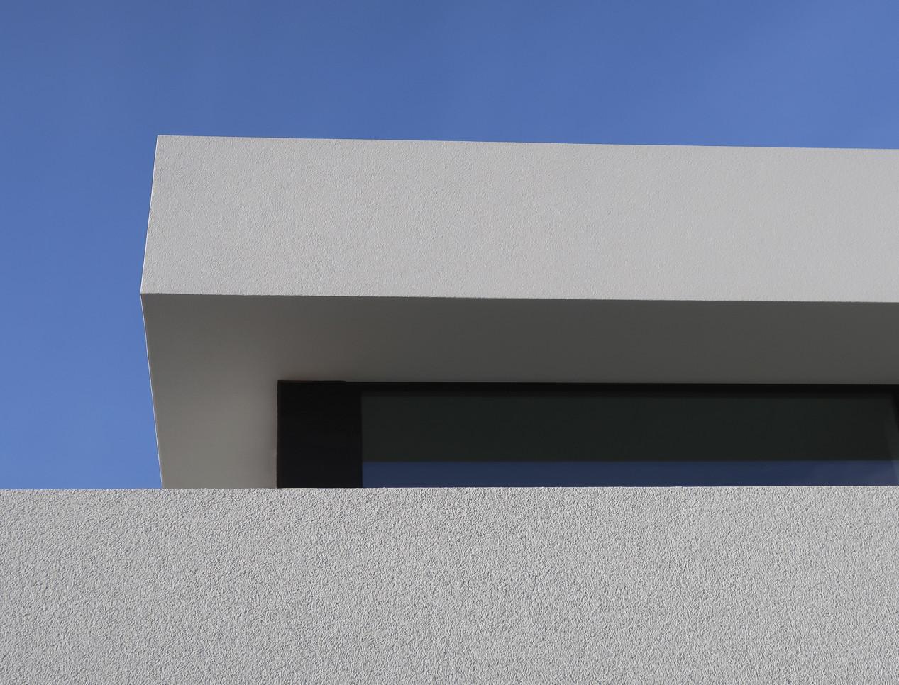 Een revolutionair dakrandprofiel dat onzichtbaar wordt na de verwerking! IMG_0521_web.jpg